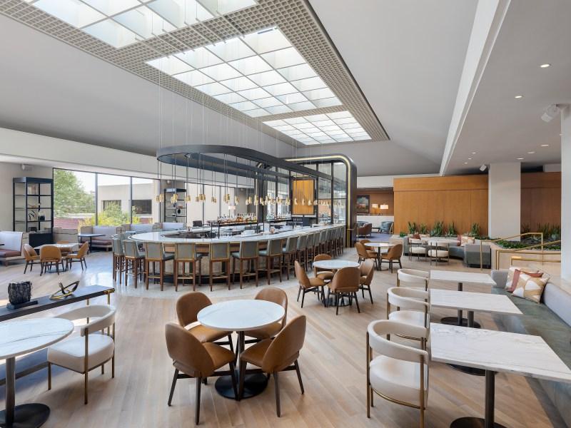 omni las colinas lrh restaurant and bar 1