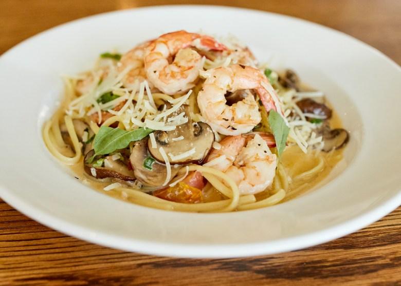 shrimp & shroom linguini pasta at fish city grill.