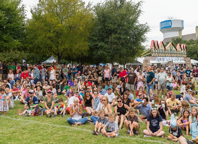 the addison oktoberfest is one of our favorite september events! | stevan koye photography