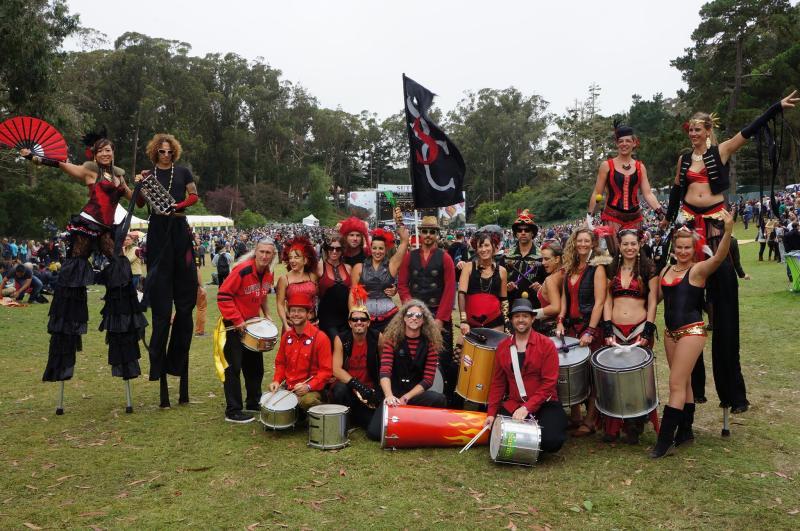 Samba Stilt Circus