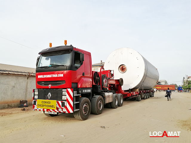 Camion renault TITAN 8x8 convertisseur 480 Tonnes Lomé Togo Ouest Afrique