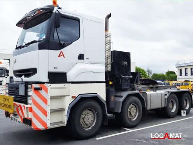 Camion-renault-titan-8x8-convertisseur-480tonnes-lome-port-Togo-ouest-afrique