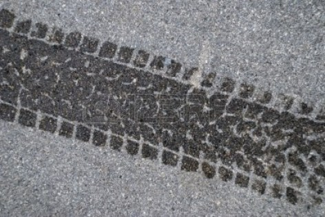2896896-trace-de-pneu