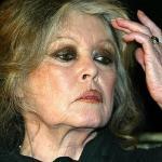 """A la demande de Brigitte Bardot, l'île de La Réunion change de nom pour s'appeler """"l'île du Diable"""""""