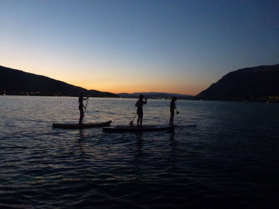 rando en stand up paddle sur le lac d'Annecy