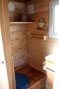 aménagement salle de douche tiny house