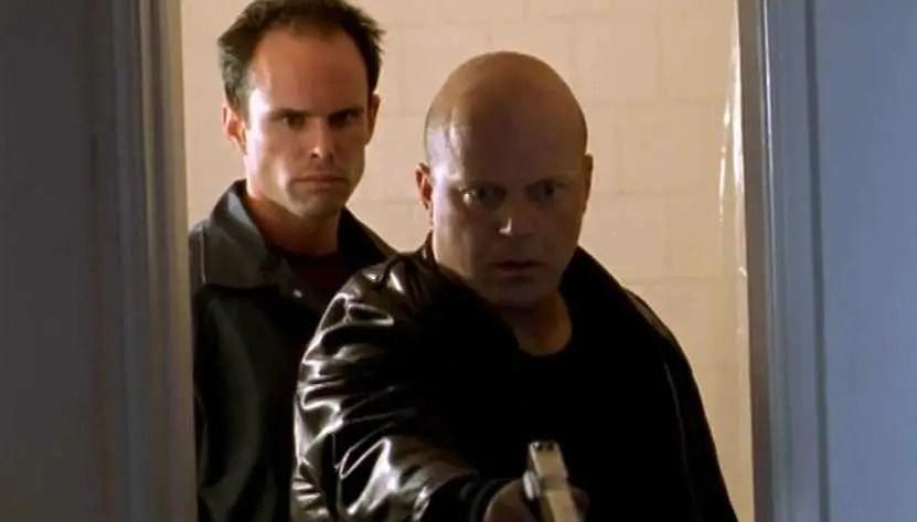 Michael Chiklis e Walton Goggins in The Shield