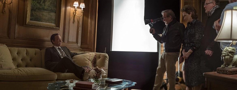 Steven Spielberg e Tom Hanks sul set di The post