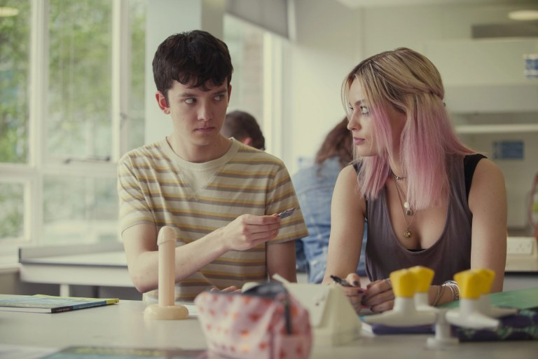 Emma Mackey, Asa Butterfield in Sex Education 1x01