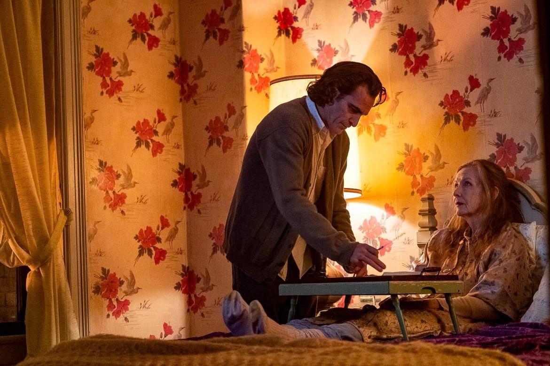 Joaquin Phoenix and Frances Conroy in Joker (2019)
