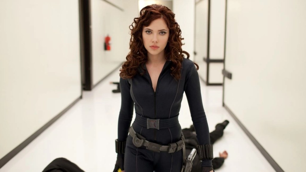 Scarlett Johanson in una scena del film - Iron Man 2