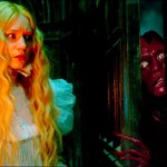 Doug Jones e Mia Wasikowska in Crimson Peak