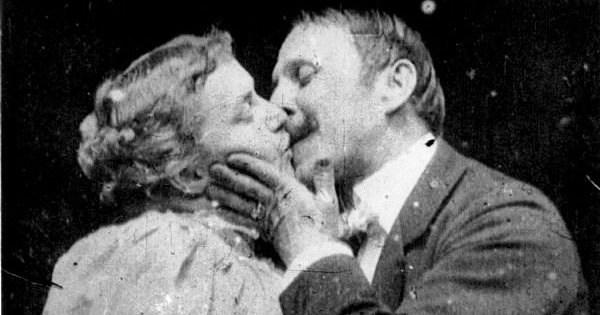 Il primo bacio della storia del cinema