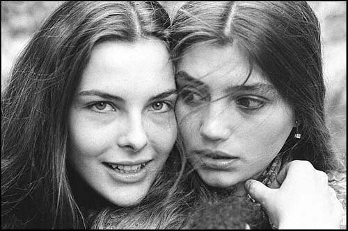 Carole Bouquet e Angela Molina