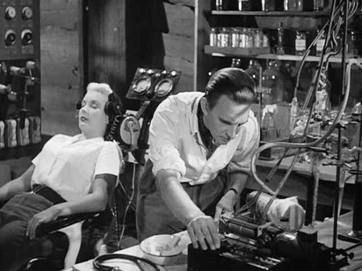Stephen Murray e Barbara Payton in Four Sided Triangle