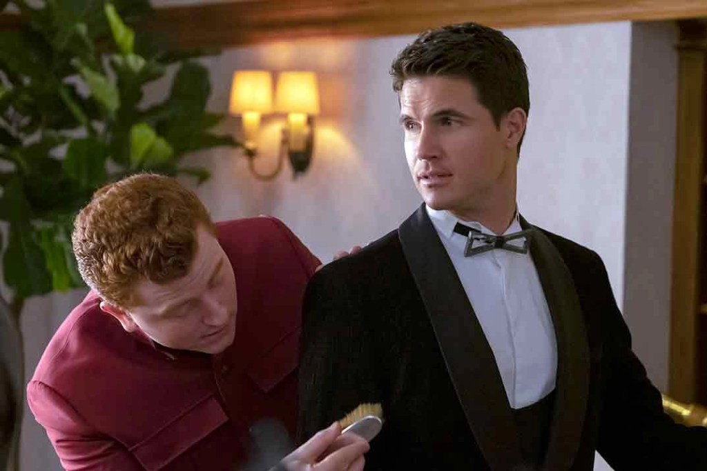 Robbie Amell - Upload prima stagione
