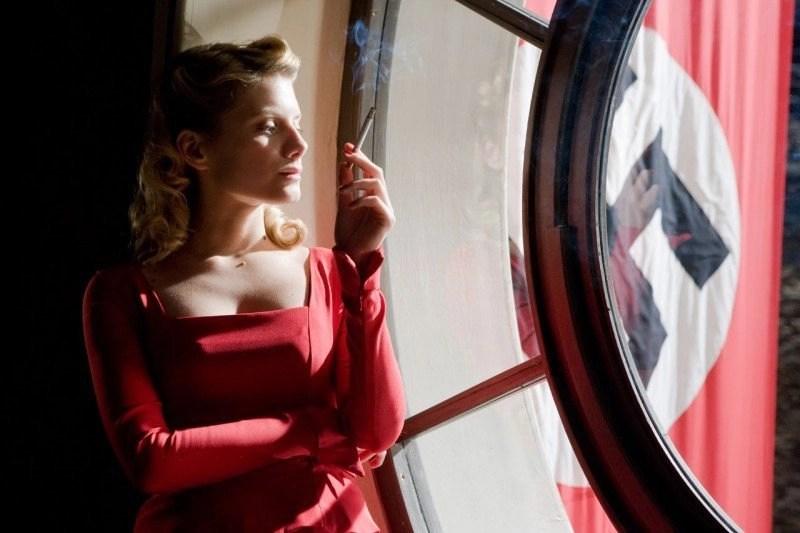mélanie laurent in bastardi senza gloria (2009)