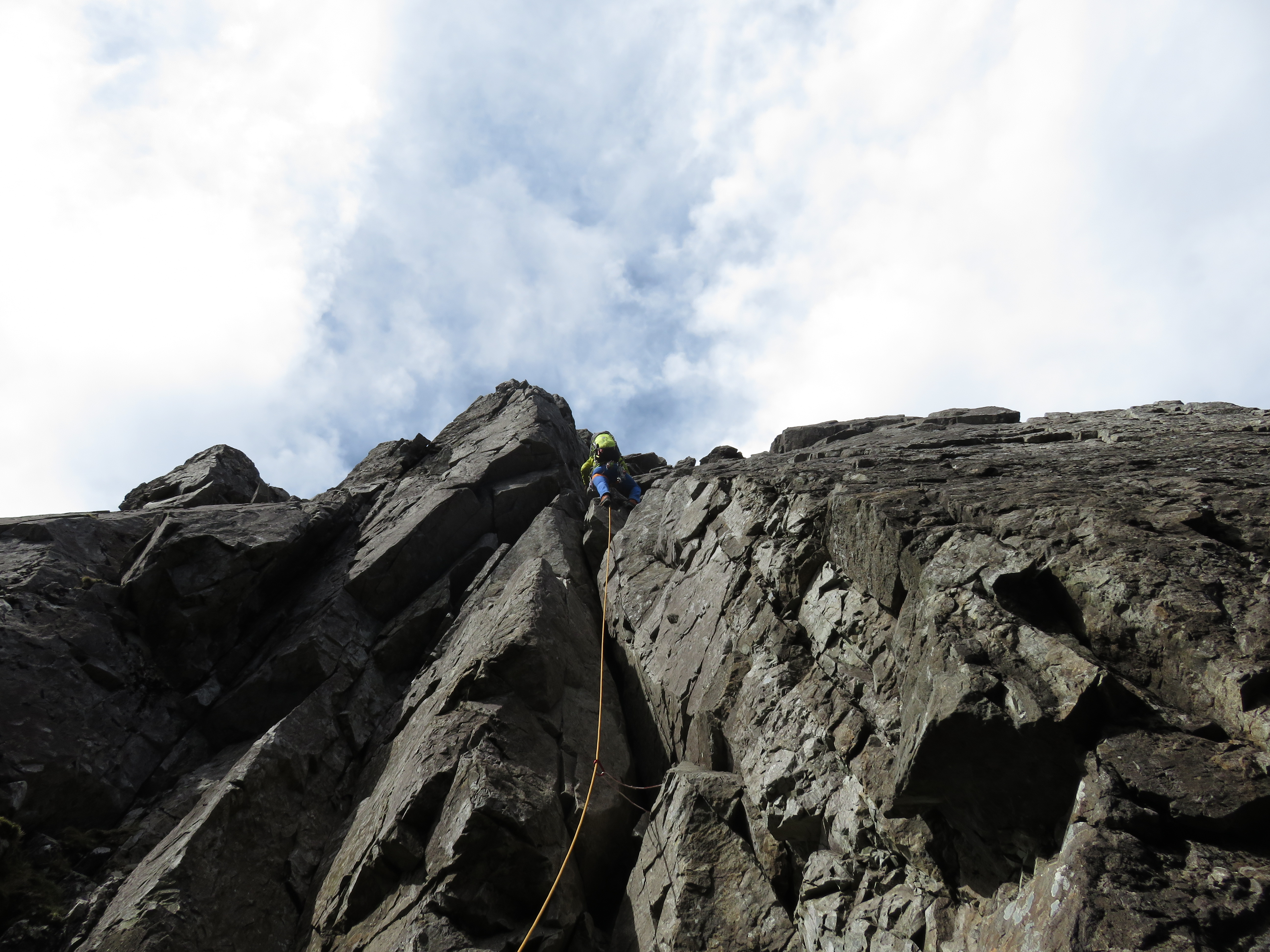 Complete the Cuillin Ridge Traverse with Lochaber Guides. A qualified, experienced Skye Cuillin Ridge Traverse Guide will help you on this challenge.