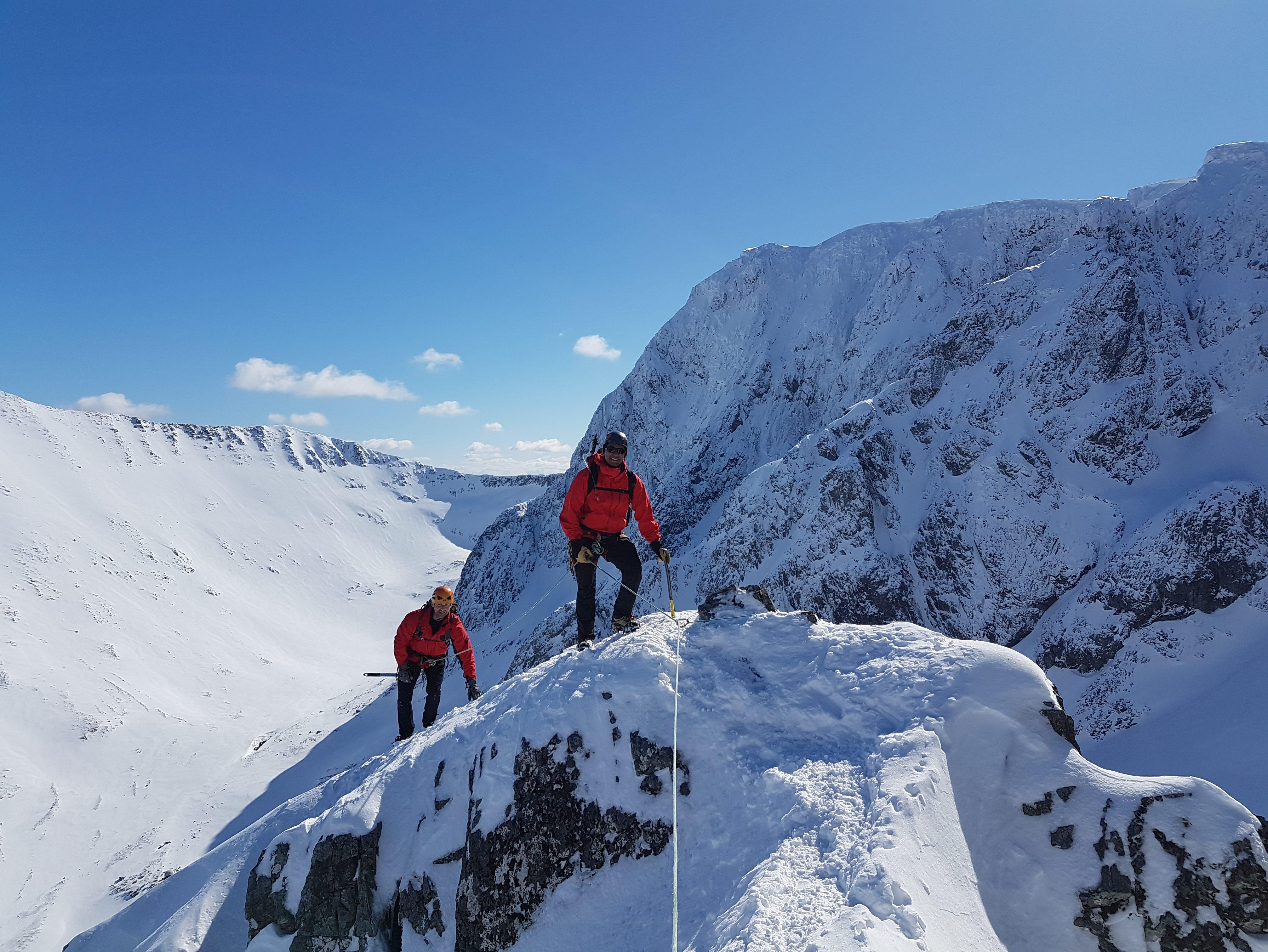 Scottish Winter Mountaineering Courses, Winter Mountaineering Courses in Scotland, Lochaber Guides Winter Mountaineering Courses