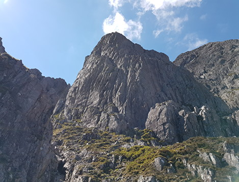 Looking up to Rannoch Wall on a Guided ascent of Curved Ridge with Lochaber Guides.