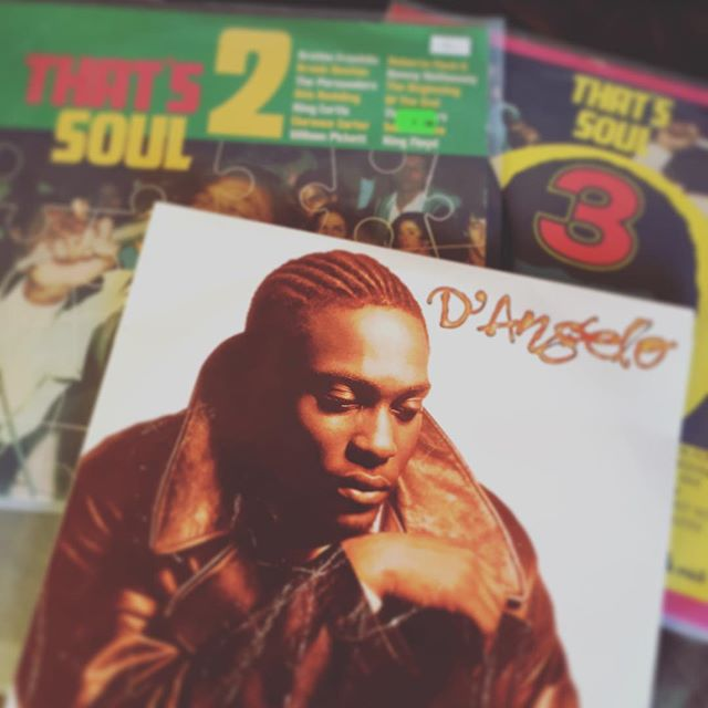 Sunday Flea Market Shopping was a huge success! #soul #dangelo #vinyl #70s #tunes #blackgold #deal #bremerhaven