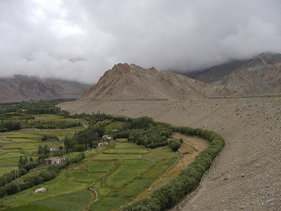 Getting out of Leh, crossing over to Nubra Valley