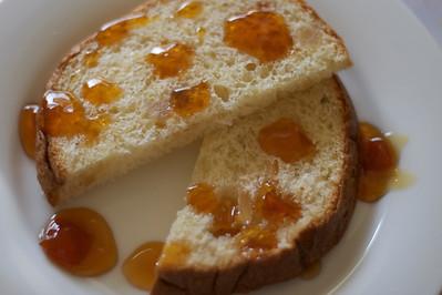 Brioche with marmalade