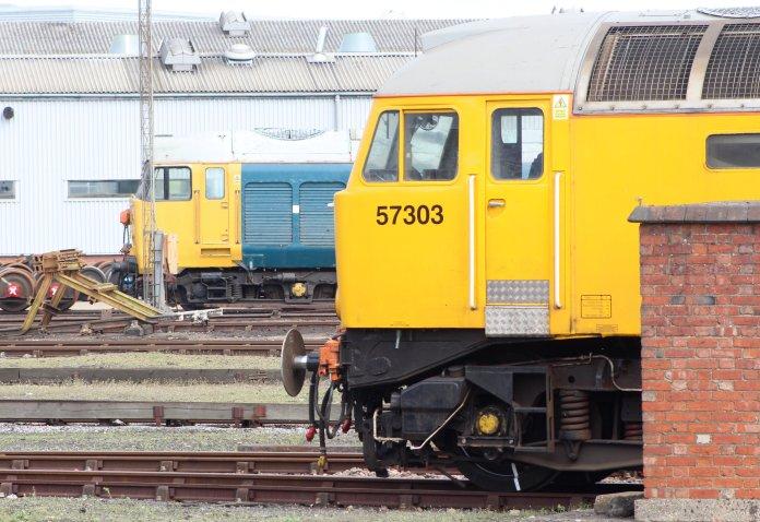 Eastleigh - April 2014 - Class 50 50011 Hood & class 57 57303