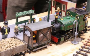 The Woodpecker Railway - Live Steam 16mm to 1 foot (7062577) gauge track - Dickon Armstrong November 2015 Milestones Museum