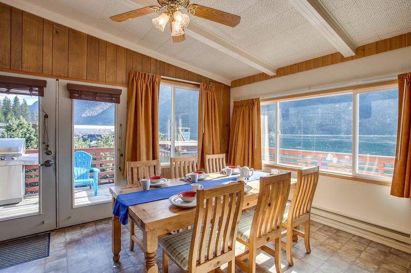 Lake House Stehekin
