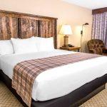 Standard King Hotel Room Lodge Of The Ozarks Branson Mo