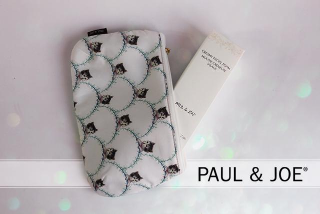 Une mousse crémeuse et des petits chats par Paul & Joe