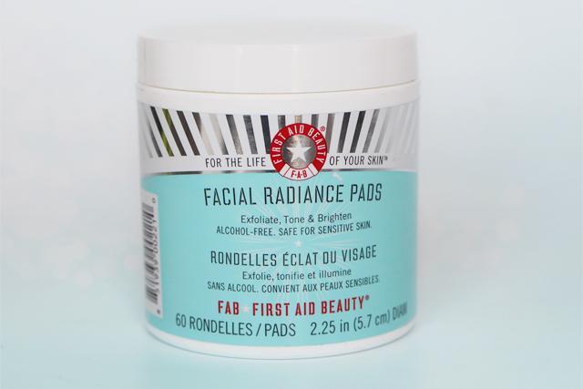 Les Facial Radiance Pads de First Aid Beauty : mention très bien !