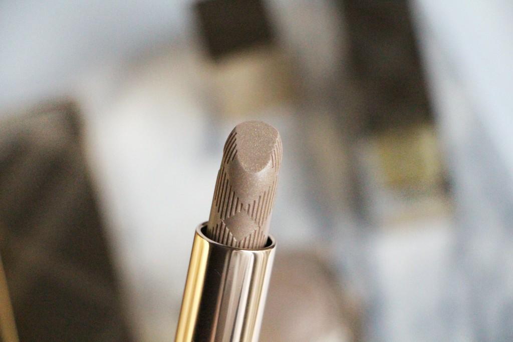 burberry zoom lipstick gold