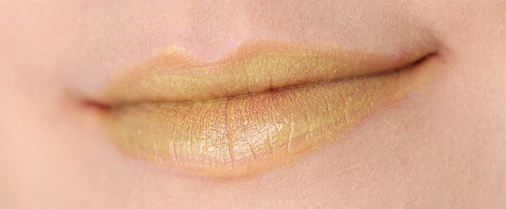 mac trolls cant be tamed lipstick