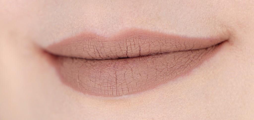 nyx lingerie 09 corset lipstick lips swatch 9