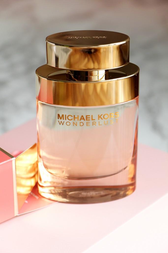 michael-kors-wonderlust-parfum-bottle