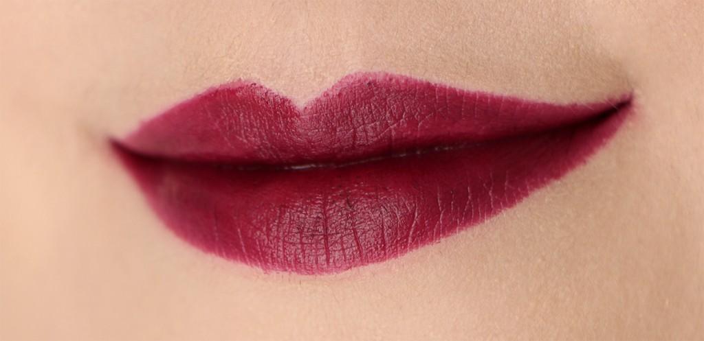 burnt-violet-mac-lips