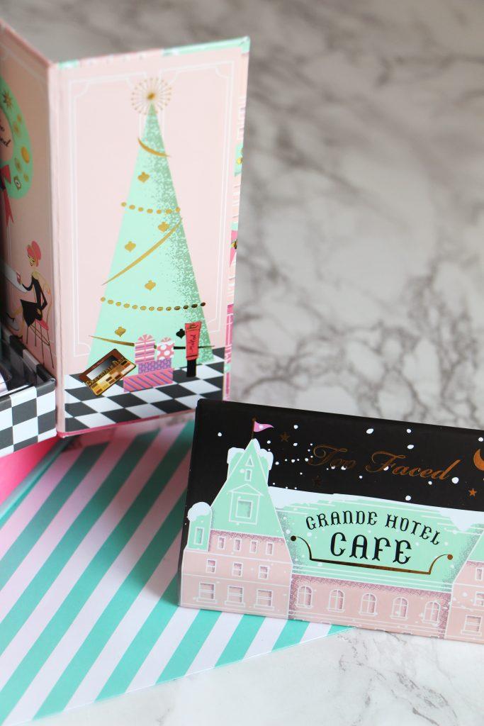 grande-hotel-cafe-kit-xmas-toof-aced