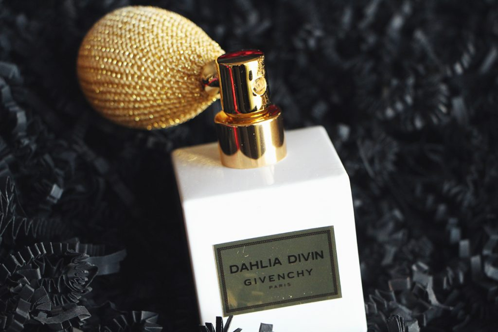 dhalia-divin-givenchy-or