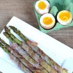 Grüner Spargel mit Ei