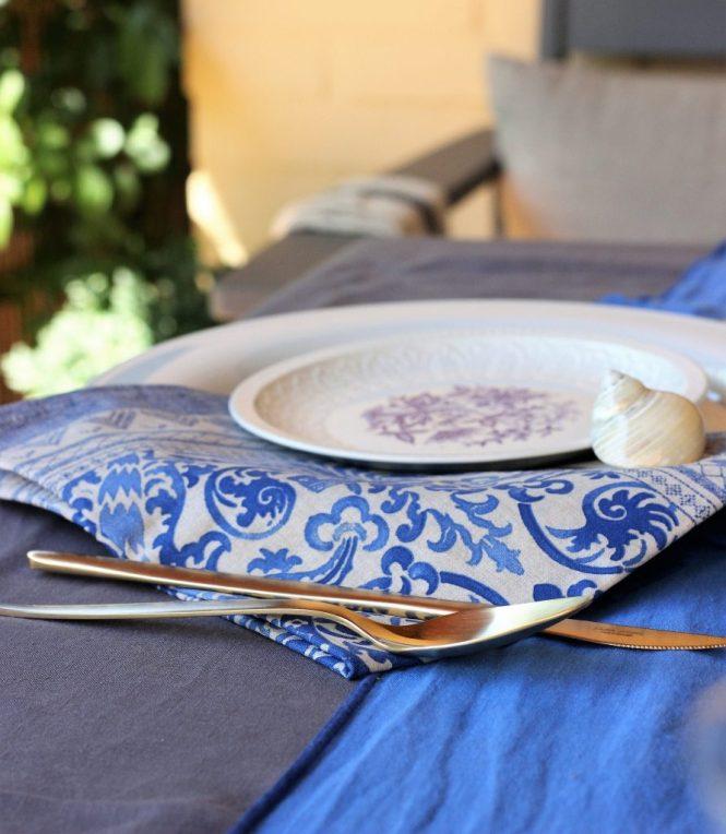 En Loft & Table nos ha dado por decorar la mesa veraniega en tonos azules y toques marinos.