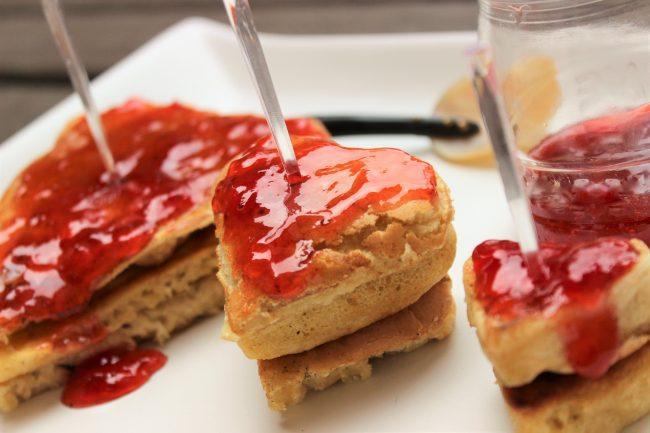 Pancakes en forma de corazón por San Valentín