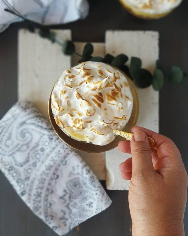 Mousse de piña y merengue