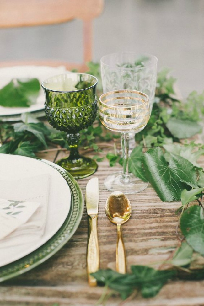 Inspiración en verde para decorar la mesa de la terraza