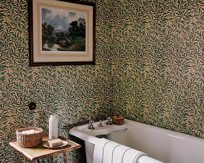 Un baño en una casa de campo