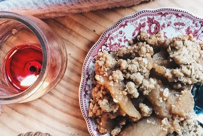 Cómo hacer un crumble de manzana con canela