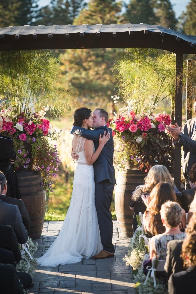 summerhill-kelowna-wedding-photography_ls8689