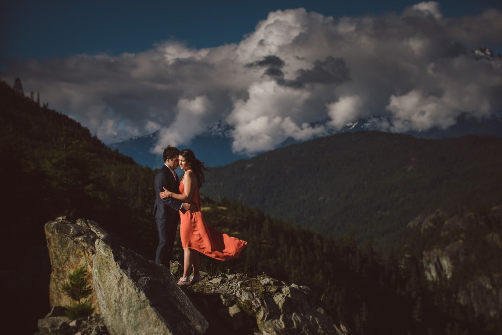 whistler-engagement-photography-cliff