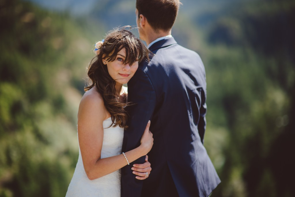 whistler-wedding-photography-hold_LS